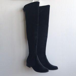 Charles David Gunter Boot in Black Velvet